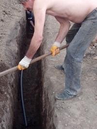 изграждане на шахта и нов захранващ водопровод за къща